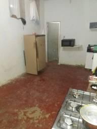 Casa 4 qts, quintal, restrito fundos, direto com locador, pequenas manutenções a fazer