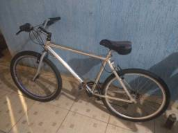 Bicicleta Caloi alumínio (quadro longo)