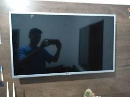 Tv LG 32 polegadas com painel junto aceito troca , algo do meu interesse