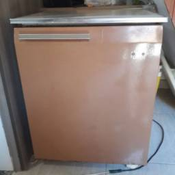 Mini geladeira gelando perfeitamente
