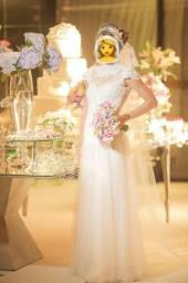 Vestido de Noiva + Tiara com Voilette