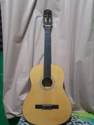 Vende-se violão natural com corda de Nyllon