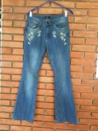 Calça jeans flare iodide novinha!!