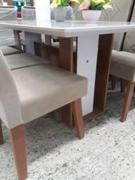 Mesa tampa de vidro, 4 cadeiras em estofado, produto NOVO.