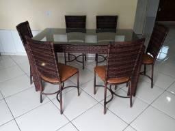 Título do anúncio: Mesa com 06 cadeiras baixas!!!