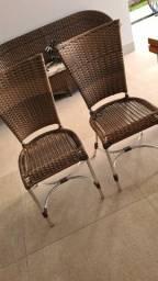 Cadeiras de fibra em alumínio