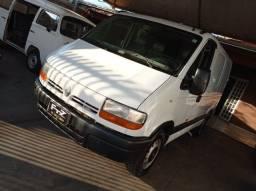Título do anúncio: Van Master 8m3 2.5 dci diesel