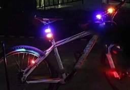 Kit Com 2 Lâmpadas Led Para Bicicleta Dianteira E Traseira