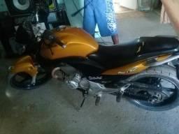 Vendo moto e som montado ou troco em carro - 2010