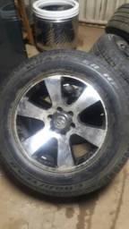 Aro 20 hilux sw4 com pneus 90 %