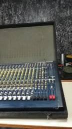 Mesa de som profissional para banda