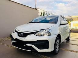 Toyota Etios X Hatch automático!