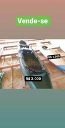 Caiaque de pesca e caiaque fechado