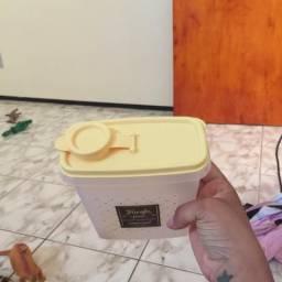 Linda porta farofa da tupperware nova
