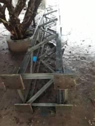 Vendo suporte para caixa d'água de ferro