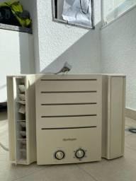 Ar Condicionado Janela Springer Carrier Mecânico 7500 BTUs Quente Frio QQA075BBB - 220V