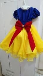 Vestido de luxo da banca de neve+ sapato social+ tiara