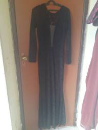 Vestido longo de renda preto para festa