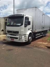 Vende-se Caminhão VM 270
