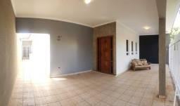 Casa para Locação em Presidente Prudente, ANA JACINTA, 3 dormitórios, 1 suíte, 2 banheiros