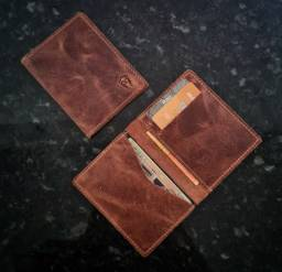 Mini carteiras em couro.
