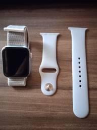 Título do anúncio: Smartwatch Hw12 prata somente retirado da caixa com 2 pulseiras com caixa e carregador