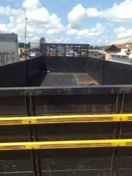 Carroceria de caminhão toco