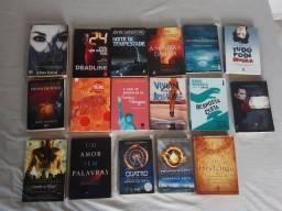 Livros diversos (ação, aventura, romance, bíblicos e etc)