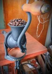 MOEDOR CAFÉ ANTIGO