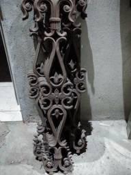 Ornatos em ferro fundido