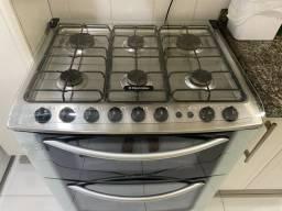 Fogão  eletrolux 6 bocas com 2 fornos.