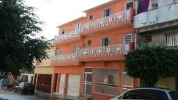 Casa para renda (sobrado com 7 casas Cid. Tiradentes)