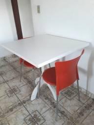 Mesa + 2 cadeiras TOK STOK