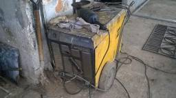 Máquina de solda trifásica