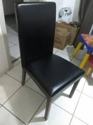 Vendo 06 cadeiras e 01 aparador