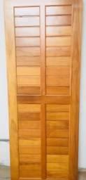 Porta em madeira maciça linha leve