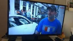 """TV 40"""" Philco e TV 32"""" Philco"""