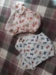 Calcinhas infantis e meias para menina