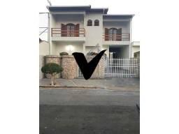 Título do anúncio: Vendo linda casa em Socorro-SP
