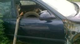 Mazda 626 porta dianteira lado direito passageiro perfeito estado somente a lata