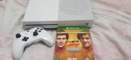 Xbox One S 1Tb c/ 1 controle e 1 jogo