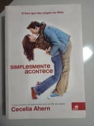 """Livro """"Simplesmente Acontece"""""""