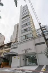 Excelente Apartamento mobiliado com 3 dormitórios no Centro de Balneário