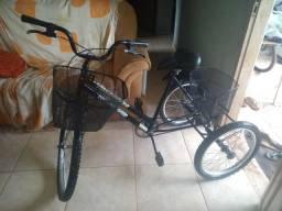 Vendo bike de 3 rodas novinha nunca foi usada