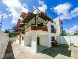 Vendo /troco Linda casa próximo do mar com 6 quartos 5 Stes ideal p comércio Px ao mar