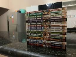 Volumes dos mangás de One Piece em ótimo estado !