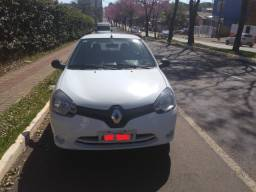 Clio 2015 - Carro Básico - Econômico