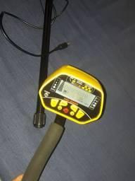 Vendo um detector de metais