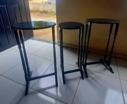 03 Mesas de canto retrô R$ 200,00