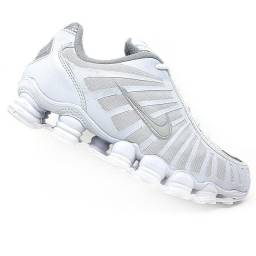 Tênis Nike 12 molas branco